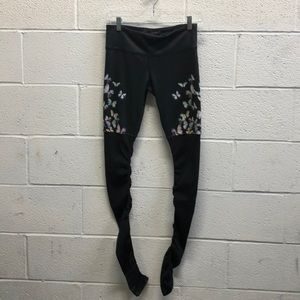 Alo black w/butterflies goddess legging sz s 63251